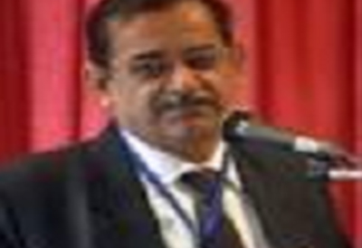 Dr Satish Ahuja